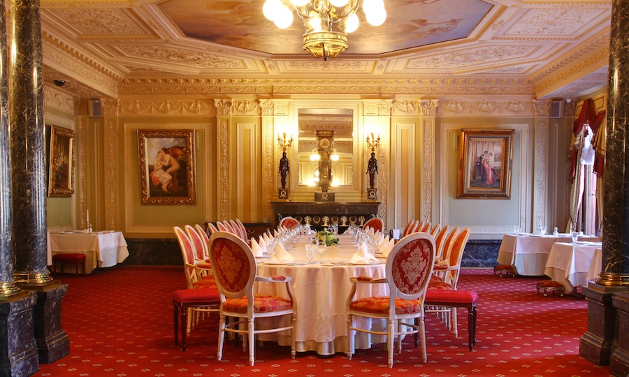 Fine Dining Restaurant With Festive Atmosphere Offers High Class European Cuisine Impeccable Service An Extensive Wine List A Collection Of Rare Brandies