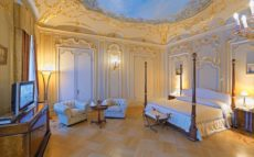 Eliseev Suite's bedroom
