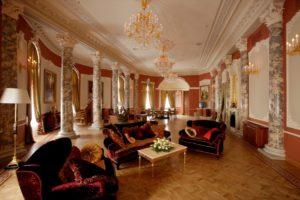 Empress Suite Livingroom