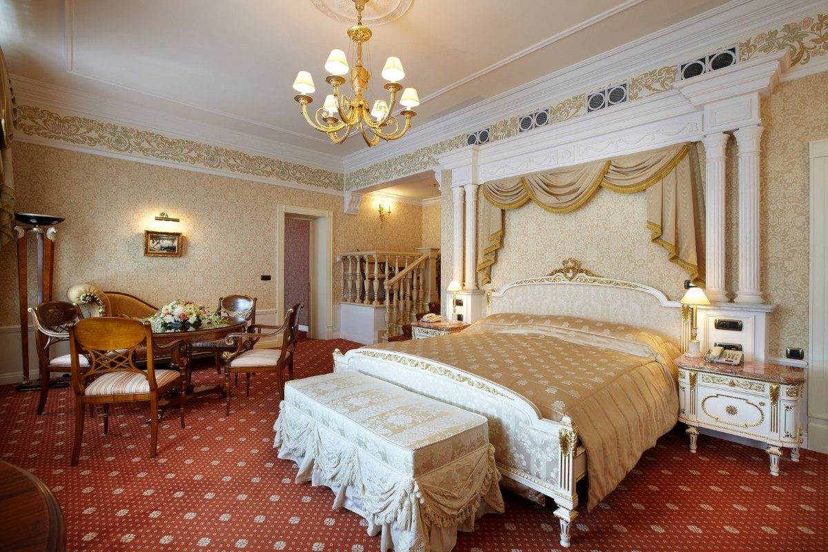 hotel in st petersburg taleon suite with jacuzzi
